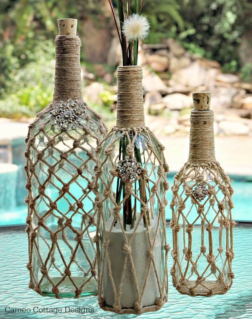 manualidades para reciclar botellas de vino 16