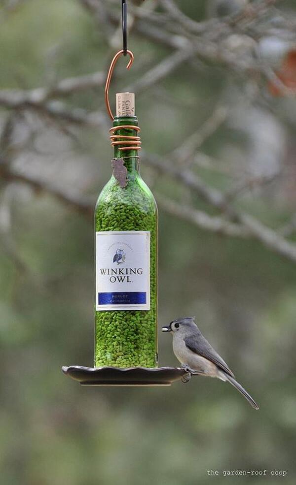 manualidades para reciclar botellas de vino 2