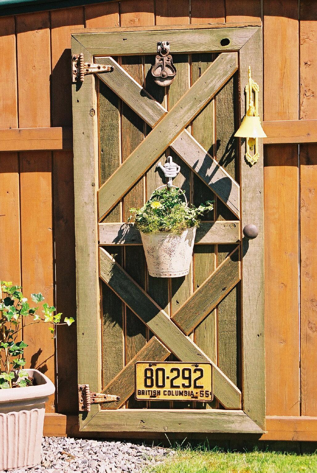 Formas creativas de utilizar puertas antiguas como for Puertas antiguas para decoracion