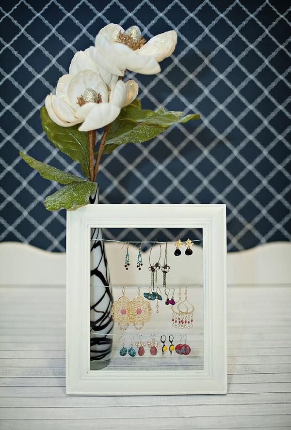 decoracion con marcos vacios 9